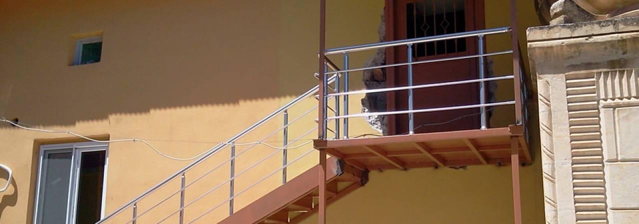 Köy Camisine Bayanlar Merdiveni